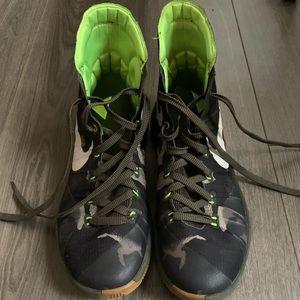 2015 Nike Hyperdunks Sneakers - Camo